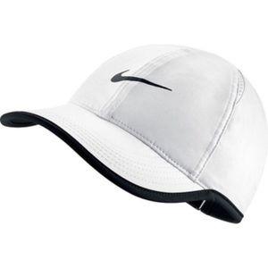 Womens Nike Dri-FIT hat (NEW)